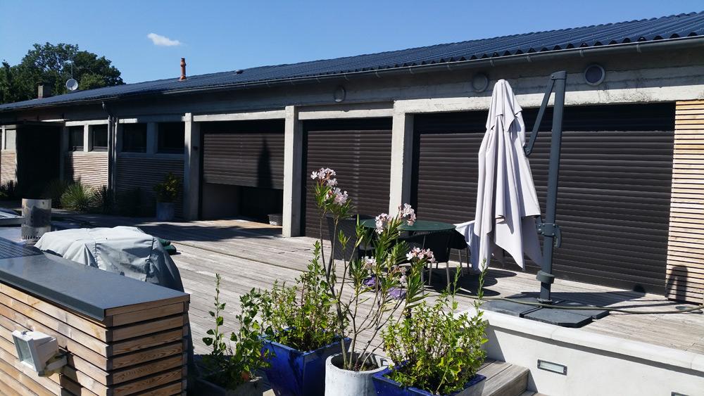 garage moderne avec toit industriel neuf en taule